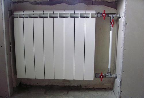 Монтаж батарей отопления с установкой байпаса в Королёве