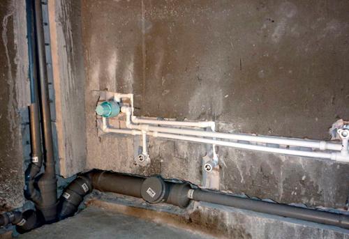 Монтаж труб канализации в ванной в Королёве