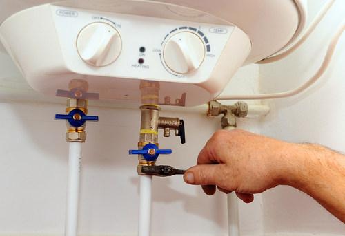 Подключение накопительного водонагревателя в Королёве