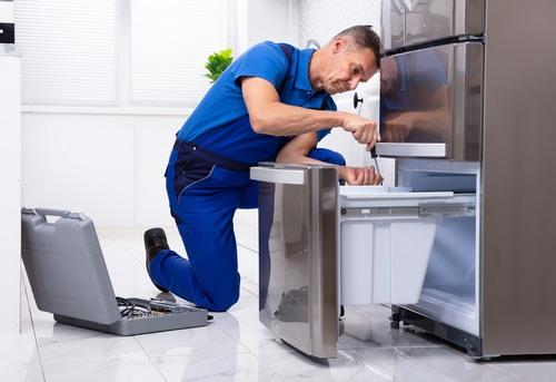 Установка и подключение холодильника в Королёве