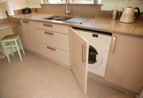 Установка стиральной машины на кухне в Королёве