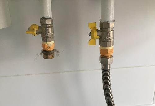 Замена гибкой подводки для газа в Королёве