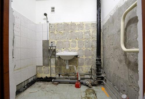 Замена стояка канализации в ванной в Королёве