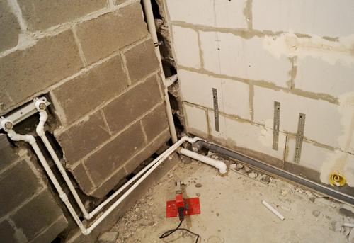 Замена труб канализации в ванной в Королёве